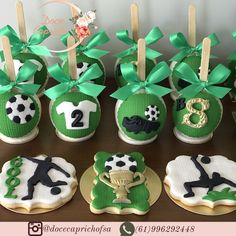 Dragon Cakes, Soccer Party, Candy Apples, Party Themes, Party Ideas, 5th Birthday, Biscotti, Cake Pops, Oreo