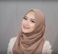 4 Style Tutorial Hijab Pashmina Simple | Lara Hijab Hijab Tutorial, Microsoft Excel, Simple, How To Wear, Tutorials, Fashion, Moda, Fashion Styles, Hijab Outfit