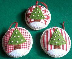 Enfeites de Natal Bolinhas com Árvores - 2,50€ cada