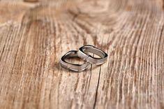 Innovias   Blog de Innovias – Vestidos de novia a precios de fabrica Wedding Rings, Engagement Rings, Jewelry, Blog, Bridal Gowns, Boyfriends, Enagement Rings, Jewlery, Jewerly