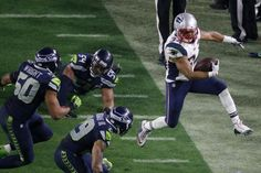 Best of Super Bowl XLIX - Patriots vs. Seahawks - New England Patriots running back Shane Vereen (34) skips out of bounds as he is pursued by Seattle Seahawks defenders during the second half of NFL Super Bowl XLIX football game Sunday, Feb. 1, 2015, in Glendale, Ariz. (AP Photo/Ross D. Franklin)