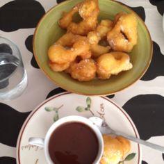 Desayuno fallero ¡Buñuelos con chocolate!
