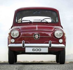 The Fiat 600 my first car. Fiat 600, Retro Cars, Vintage Cars, Fiat 500 Lounge, Automobile, Fiat Cars, Fiat Abarth, Car And Driver, Old Cars