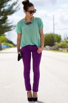 love the pants Amethyst Jeans: Forever 21 -- Turquoise Shirt: UrbanOG -- Bag: Mimi Boutique -- Sunglasses: Furor Moda -- Necklace: Mimi Boutique -- Pumps: Steve Madden Lila Outfits, Jean Outfits, Summer Outfits, Casual Outfits, Cute Fashion, Look Fashion, High Fashion, Jeans Fashion, Denim Outfits