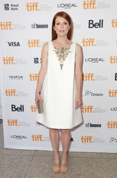 Julianne Moore Wearing Chanel Couture at Still Alice at 2014 Toronto International Film Festival Paris Film, L'oréal Paris, Julianne Moore, Celebrity Red Carpet, Celebrity Look, Still Alice, Toronto Film Festival, Chanel Couture, International Film Festival