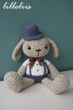 PATTERN  Mister Bunny  crochet pattern amigurumi von lilleliis