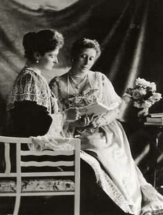 Tsarina Alexandra Fyodorovna of russia and sister, Princess Victoria, Marchioness of Milford -Haven.