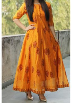 Orange Big Butta M axi Pakistani Dresses, Indian Dresses, Indian Outfits, Kurta Designs Women, Salwar Designs, Long Kurta Designs, Funky Fashion, Indian Fashion, Casual Dresses