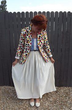vintage floral blazer + accordion skirt Chiffon Skirt, Pleated Skirt, Dress Skirt, Short Skirts, Mini Skirts, Accordion Skirt, Floral Blazer, Summer Trends, Skirt Outfits