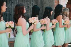 that's it. i found my wedding colors. mint and peach. and you can't see it here, but there's gray chevron, too... SWOON.