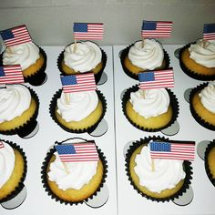 Simple Cupcakes, American Flag, Flags, Delish, Vanilla, Desserts, Instagram, Food, Tailgate Desserts