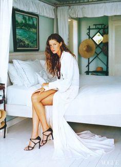 Gisele, photographed by Arthur Elgort, Vogue, April 1999