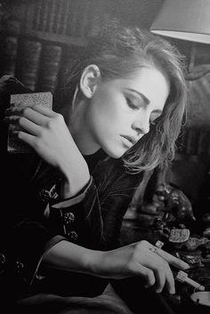 kristensource:  Kristen Stewart's portrait atChanel's Mademoiselle Privé exhibition [x]