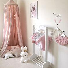 ✨#barnerom#barnerum#numero74#mrsmighetto#minikids#jollyroom#miffy#lekmer#kidsconcept#mininook#baby#nursery#nurserydecor#littleshabbyy @stickstay.se