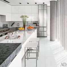 Ultra sleek kitchen - Tony Ingrao and Randy Kemper Design a Modern and Minimal New York Apartment : Architectural Digest Contemporary Kitchen Inspiration, Contemporary Kitchen Cabinets, Contemporary Kitchen Design, Contemporary Interior, Contemporary Building, Contemporary Stairs, Contemporary Cottage, Contemporary Apartment, Contemporary Wallpaper