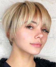 New Chic Short Layered Hairstyles for Women to Look Significantly Classy in 2020 Short Hairstyles For Women, Trendy Hairstyles, Layered Hairstyles, Edgy Haircuts, Girl Haircuts, Short Grey Hair, Short Hair Styles, Icy Blonde, Short Hair With Layers