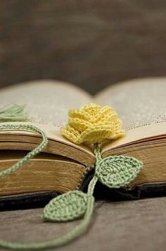 Separador de libro flor