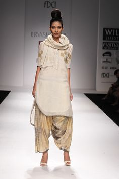 Stylish India wear by Urvashi Kaur. #wifw #ss14 #fdci #fashionweek #fashion #trends #urvashikaur