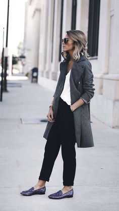 Womens fashion | fall | style | fashion | outfit | street style | coat | slouchy | Kate Spade NY | shoes Instagram: @joandkemp