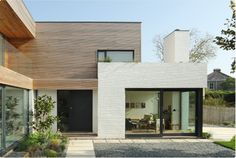 The beautiful Grand Designs house in Falmouth. Love the painted brick wall, stops it from feeling too modern. Scandinavian Architecture, Scandinavian Home, Architecture Design, Timber Architecture, Modern Exterior, Exterior Design, Grand Designs Uk, Grand Designs Channel 4, White Brick Houses