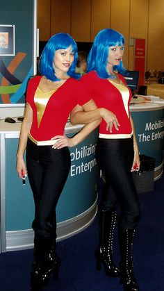 """""""Booth Babes"""" at Sybase's 2007 TechWave modified with The GIMP"""