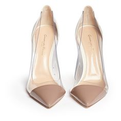 Gianvito Rossi 'Plexi' clear PVC patent leather pumps (532.225 CLP) ❤ liked on Polyvore featuring shoes, pumps, heels, color block shoes, clear lucite shoes, clear heel shoes, gianvito rossi shoes and clear pumps