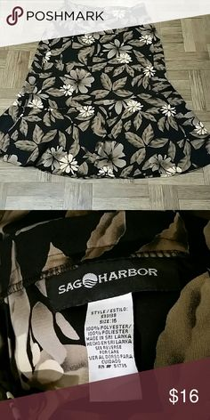 Floral print by Sag Harbor Size 16 Nice Sag Harbor Skirts Midi