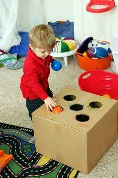 Estimulación temprana: encajé de pelotas