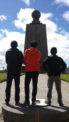 Mitad del Mundo en San Antonio, Pichincha http://www.ecuadorgalapagostravels.ec/modulos/quito_city_equator.php