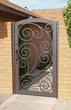 La imagen puede contener: planta y exterior Iron Gate Design, House Gate Design, Door Design, Metal Gates, Wrought Iron Doors, Steel Gate, Steel Doors, Iron Garden Gates, Window Bars