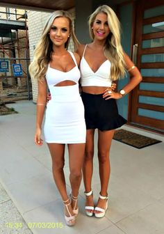 Ramblings of a Semi-Mad Man: Which One? - Two Leggy Blondes