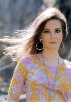 earrings, blouse, makeup - Natalie Wood
