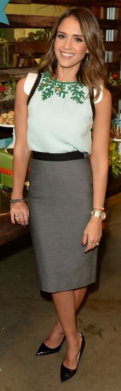 Pencil skirts for the office with Jessica Alba as style inspiration | The House of Beccaria #lbv