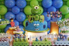 festa monstros sa, decoração festa infantil, festa meninos, festa meninas, monster university party, boys party, girls party, universidade monstros, monster sa, mesa de doces, festa azul e verde