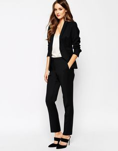 These tailored trousers have such a nice and elegant cut and fit. Perfect for work. Find them here: http://asos.do/d50uSn