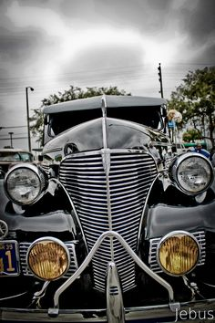 brought to you by House of Insurance in Eugene, Cars Vintage, Antique Cars, Old Trucks, Chevy Trucks, Chicano, Old School Cars, Old Classic Cars, Car Painting, Amazing Cars