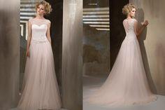 104338.jpg (1350×900) Cotin sposa.  La parte dietro e il colore di questo vestito mi fanno impazzire!