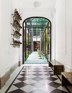 Casa Cavia Restaurant by KallosTurin Architects, Buenos Aires – Argentina Exterior Design, Interior And Exterior, Argentine Buenos Aires, Villa, Design Blog, Design Files, Store Design, Entry Foyer, Hospitality Design