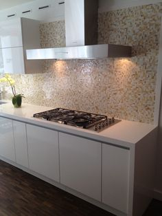 Wall solution in a Poggenpohl kitchen #decorideas #backsplash #cookingsolution #perfectkitchen