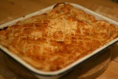Jamie Oliver 30 min chicken pie - I have made this and it's really easy and tastes even better the next day x Jamie's 30 Minute Meals, Quick Meals, Full Meals, Main Meals, Jamie Oliver 30 Minute Meals, Chicken And Mushroom Pie, Good Food, Yummy Food, Supper Recipes