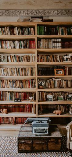 iphone brown bookshelf wallpapers wooden library aesthetic ilikewallpaper books shelf aesthetics bookcase bookshelves wallpaperaccess