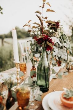 Herbst Tablescape In The Field - Fall Inspiration - Hochzeitsblumen Eclectic Wedding, Rustic Wedding, Autumn Wedding, Wedding Day, Church Wedding, Red Wedding, Wedding Reception, Wedding Colors, Wedding Flowers
