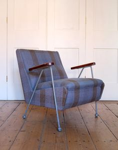 Very rare Ernest Race Woodpecker chair with arms, never went into full production: modern room.co.uk