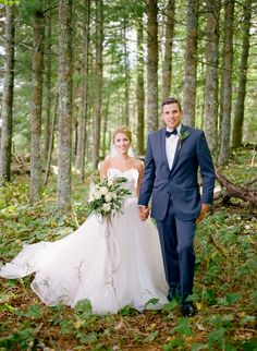 Bayfield Wisconsin Wedding featured in Dainty Obsessions Magazine Photographer: Jeff Loves Jessica Photography Coordinator: Lace & Brass Events // Destination wedding, destination wedding planner, bayfield wisconsin, bayfield wedding, madeline island, lake superior wedding, apostle islands, pronovias wedding dress, menguin tuxedo, saffron & grey