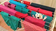 ★ Fiery Red ★ Pyykit käännetty pesun jälkeen ja aseteltu taidokkaasti, mutta saako vihreitä ja punaisia vaatteita laittaa koneeseen yhtä aikaa? Riippuu perfektionismin asteesta. https://www.facebook.com/malle.taar/posts/10203940791900318
