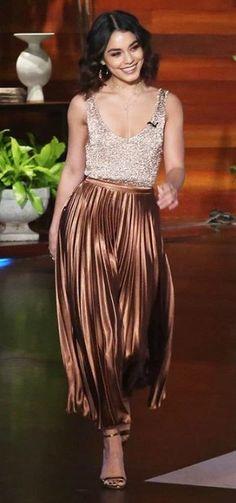 >>>Cheap Sale OFF! >>>Visit>> Vanessa Hudgens and A.C Bobby Pleated Metallic Midi Skirt Bar III Metallic Tank Sweater Schutz Cadey-Lee Sandals. See the latest Vanessa Hudgens style fashion beauty trends wardrobe and accessories. Estilo Vanessa Hudgens, Vanessa Hudgens Style, Gold Pleated Skirt, Pleated Skirt Outfit, Skirt Outfits, Midi Skirt, Metallic Skirt Outfit, Metallic Outfits, Silver Skirt