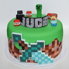 minecraft themed cake Minecraft Cake Toppers, Minecraft Birthday Cake, Easy Minecraft Cake, Minecraft Crafts, Minecraft Party, Minecraft Skins, Rodjendanske Torte, Dessert Table Birthday, Lego Cake