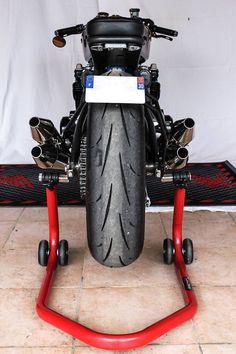 Honda CB750 Monoshock 6