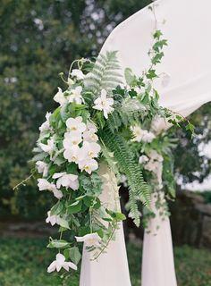 arranjos florais brancos