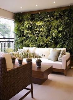 40 Beautiful Living Green Walls You Can Copy Feed your design ideas with these beautful green wall designs. 40 living green wall ideas you can copy now. Decor, Outdoor Decor, House Design, Balcony Decor, Home, Outdoor Spaces, Green Living, Living Green Walls, Beautiful Living